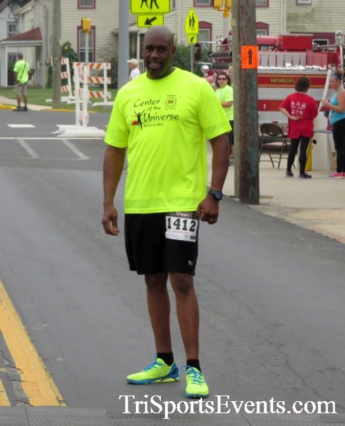 Center of the Universe 5K Run/Walk<br><br><br><br><a href='http://www.trisportsevents.com/pics/16_Magnolia_5K_148.JPG' download='16_Magnolia_5K_148.JPG'>Click here to download.</a><Br><a href='http://www.facebook.com/sharer.php?u=http:%2F%2Fwww.trisportsevents.com%2Fpics%2F16_Magnolia_5K_148.JPG&t=Center of the Universe 5K Run/Walk' target='_blank'><img src='images/fb_share.png' width='100'></a>