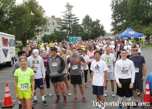 Queen of the Roses 5K Run/Walk<br><br><br><br><a href='https://www.trisportsevents.com/pics/16_Queen_of_Roses_5K_010.JPG' download='16_Queen_of_Roses_5K_010.JPG'>Click here to download.</a><Br><a href='http://www.facebook.com/sharer.php?u=http:%2F%2Fwww.trisportsevents.com%2Fpics%2F16_Queen_of_Roses_5K_010.JPG&t=Queen of the Roses 5K Run/Walk' target='_blank'><img src='images/fb_share.png' width='100'></a>