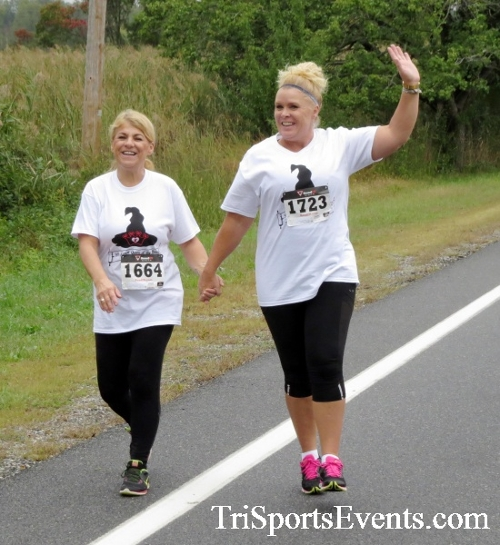 Queen of the Roses 5K Run/Walk<br><br><br><br><a href='https://www.trisportsevents.com/pics/16_Queen_of_Roses_5K_038.JPG' download='16_Queen_of_Roses_5K_038.JPG'>Click here to download.</a><Br><a href='http://www.facebook.com/sharer.php?u=http:%2F%2Fwww.trisportsevents.com%2Fpics%2F16_Queen_of_Roses_5K_038.JPG&t=Queen of the Roses 5K Run/Walk' target='_blank'><img src='images/fb_share.png' width='100'></a>