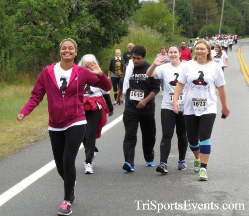 Queen of the Roses 5K Run/Walk<br><br><br><br><a href='http://www.trisportsevents.com/pics/16_Queen_of_Roses_5K_043.JPG' download='16_Queen_of_Roses_5K_043.JPG'>Click here to download.</a><Br><a href='http://www.facebook.com/sharer.php?u=http:%2F%2Fwww.trisportsevents.com%2Fpics%2F16_Queen_of_Roses_5K_043.JPG&t=Queen of the Roses 5K Run/Walk' target='_blank'><img src='images/fb_share.png' width='100'></a>