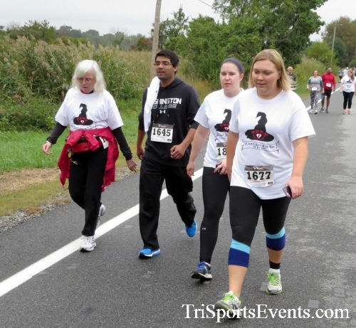 Queen of the Roses 5K Run/Walk<br><br><br><br><a href='http://www.trisportsevents.com/pics/16_Queen_of_Roses_5K_044.JPG' download='16_Queen_of_Roses_5K_044.JPG'>Click here to download.</a><Br><a href='http://www.facebook.com/sharer.php?u=http:%2F%2Fwww.trisportsevents.com%2Fpics%2F16_Queen_of_Roses_5K_044.JPG&t=Queen of the Roses 5K Run/Walk' target='_blank'><img src='images/fb_share.png' width='100'></a>