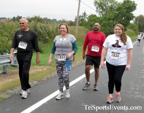 Queen of the Roses 5K Run/Walk<br><br><br><br><a href='https://www.trisportsevents.com/pics/16_Queen_of_Roses_5K_046.JPG' download='16_Queen_of_Roses_5K_046.JPG'>Click here to download.</a><Br><a href='http://www.facebook.com/sharer.php?u=http:%2F%2Fwww.trisportsevents.com%2Fpics%2F16_Queen_of_Roses_5K_046.JPG&t=Queen of the Roses 5K Run/Walk' target='_blank'><img src='images/fb_share.png' width='100'></a>