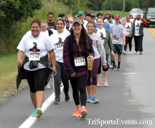 Queen of the Roses 5K Run/Walk<br><br><br><br><a href='https://www.trisportsevents.com/pics/16_Queen_of_Roses_5K_054.JPG' download='16_Queen_of_Roses_5K_054.JPG'>Click here to download.</a><Br><a href='http://www.facebook.com/sharer.php?u=http:%2F%2Fwww.trisportsevents.com%2Fpics%2F16_Queen_of_Roses_5K_054.JPG&t=Queen of the Roses 5K Run/Walk' target='_blank'><img src='images/fb_share.png' width='100'></a>