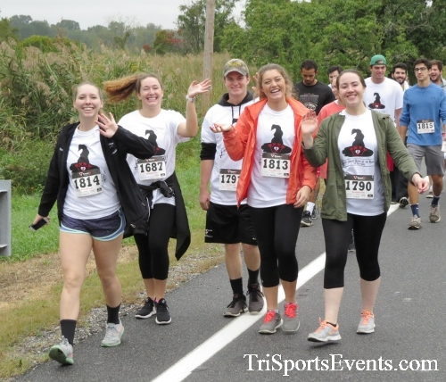 Queen of the Roses 5K Run/Walk<br><br><br><br><a href='https://www.trisportsevents.com/pics/16_Queen_of_Roses_5K_055.JPG' download='16_Queen_of_Roses_5K_055.JPG'>Click here to download.</a><Br><a href='http://www.facebook.com/sharer.php?u=http:%2F%2Fwww.trisportsevents.com%2Fpics%2F16_Queen_of_Roses_5K_055.JPG&t=Queen of the Roses 5K Run/Walk' target='_blank'><img src='images/fb_share.png' width='100'></a>