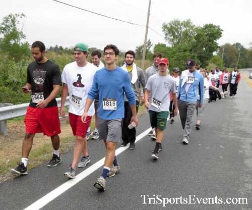 Queen of the Roses 5K Run/Walk<br><br><br><br><a href='http://www.trisportsevents.com/pics/16_Queen_of_Roses_5K_056.JPG' download='16_Queen_of_Roses_5K_056.JPG'>Click here to download.</a><Br><a href='http://www.facebook.com/sharer.php?u=http:%2F%2Fwww.trisportsevents.com%2Fpics%2F16_Queen_of_Roses_5K_056.JPG&t=Queen of the Roses 5K Run/Walk' target='_blank'><img src='images/fb_share.png' width='100'></a>