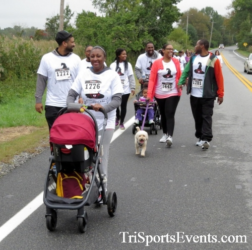 Queen of the Roses 5K Run/Walk<br><br><br><br><a href='https://www.trisportsevents.com/pics/16_Queen_of_Roses_5K_057.JPG' download='16_Queen_of_Roses_5K_057.JPG'>Click here to download.</a><Br><a href='http://www.facebook.com/sharer.php?u=http:%2F%2Fwww.trisportsevents.com%2Fpics%2F16_Queen_of_Roses_5K_057.JPG&t=Queen of the Roses 5K Run/Walk' target='_blank'><img src='images/fb_share.png' width='100'></a>