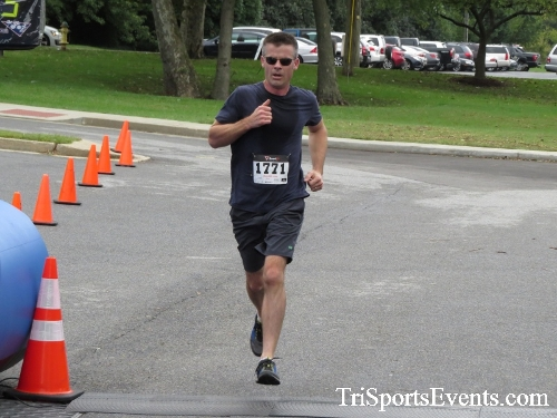 Queen of the Roses 5K Run/Walk<br><br><br><br><a href='https://www.trisportsevents.com/pics/16_Queen_of_Roses_5K_069.JPG' download='16_Queen_of_Roses_5K_069.JPG'>Click here to download.</a><Br><a href='http://www.facebook.com/sharer.php?u=http:%2F%2Fwww.trisportsevents.com%2Fpics%2F16_Queen_of_Roses_5K_069.JPG&t=Queen of the Roses 5K Run/Walk' target='_blank'><img src='images/fb_share.png' width='100'></a>