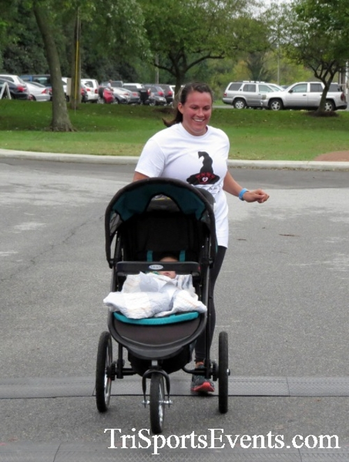 Queen of the Roses 5K Run/Walk<br><br><br><br><a href='https://www.trisportsevents.com/pics/16_Queen_of_Roses_5K_112.JPG' download='16_Queen_of_Roses_5K_112.JPG'>Click here to download.</a><Br><a href='http://www.facebook.com/sharer.php?u=http:%2F%2Fwww.trisportsevents.com%2Fpics%2F16_Queen_of_Roses_5K_112.JPG&t=Queen of the Roses 5K Run/Walk' target='_blank'><img src='images/fb_share.png' width='100'></a>