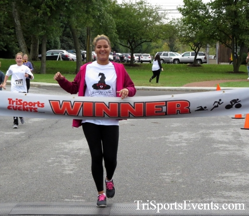 Queen of the Roses 5K Run/Walk<br><br><br><br><a href='http://www.trisportsevents.com/pics/16_Queen_of_Roses_5K_135.JPG' download='16_Queen_of_Roses_5K_135.JPG'>Click here to download.</a><Br><a href='http://www.facebook.com/sharer.php?u=http:%2F%2Fwww.trisportsevents.com%2Fpics%2F16_Queen_of_Roses_5K_135.JPG&t=Queen of the Roses 5K Run/Walk' target='_blank'><img src='images/fb_share.png' width='100'></a>