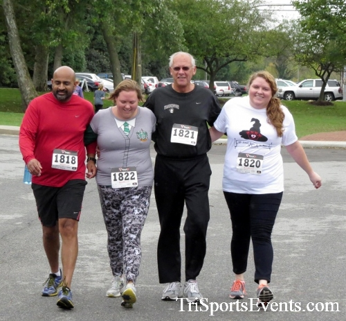 Queen of the Roses 5K Run/Walk<br><br><br><br><a href='http://www.trisportsevents.com/pics/16_Queen_of_Roses_5K_152.JPG' download='16_Queen_of_Roses_5K_152.JPG'>Click here to download.</a><Br><a href='http://www.facebook.com/sharer.php?u=http:%2F%2Fwww.trisportsevents.com%2Fpics%2F16_Queen_of_Roses_5K_152.JPG&t=Queen of the Roses 5K Run/Walk' target='_blank'><img src='images/fb_share.png' width='100'></a>