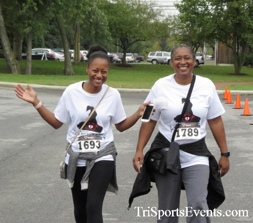 Queen of the Roses 5K Run/Walk<br><br><br><br><a href='http://www.trisportsevents.com/pics/16_Queen_of_Roses_5K_156.JPG' download='16_Queen_of_Roses_5K_156.JPG'>Click here to download.</a><Br><a href='http://www.facebook.com/sharer.php?u=http:%2F%2Fwww.trisportsevents.com%2Fpics%2F16_Queen_of_Roses_5K_156.JPG&t=Queen of the Roses 5K Run/Walk' target='_blank'><img src='images/fb_share.png' width='100'></a>