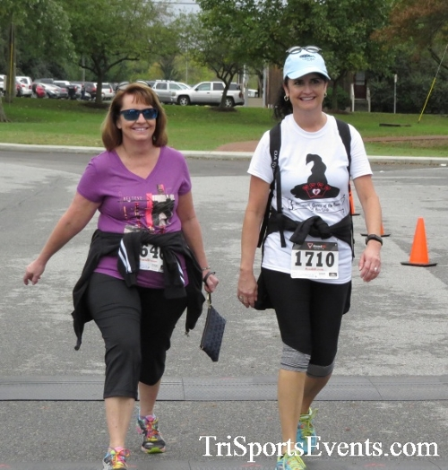 Queen of the Roses 5K Run/Walk<br><br><br><br><a href='http://www.trisportsevents.com/pics/16_Queen_of_Roses_5K_168.JPG' download='16_Queen_of_Roses_5K_168.JPG'>Click here to download.</a><Br><a href='http://www.facebook.com/sharer.php?u=http:%2F%2Fwww.trisportsevents.com%2Fpics%2F16_Queen_of_Roses_5K_168.JPG&t=Queen of the Roses 5K Run/Walk' target='_blank'><img src='images/fb_share.png' width='100'></a>