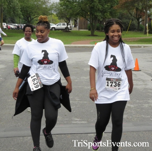 Queen of the Roses 5K Run/Walk<br><br><br><br><a href='https://www.trisportsevents.com/pics/16_Queen_of_Roses_5K_173.JPG' download='16_Queen_of_Roses_5K_173.JPG'>Click here to download.</a><Br><a href='http://www.facebook.com/sharer.php?u=http:%2F%2Fwww.trisportsevents.com%2Fpics%2F16_Queen_of_Roses_5K_173.JPG&t=Queen of the Roses 5K Run/Walk' target='_blank'><img src='images/fb_share.png' width='100'></a>