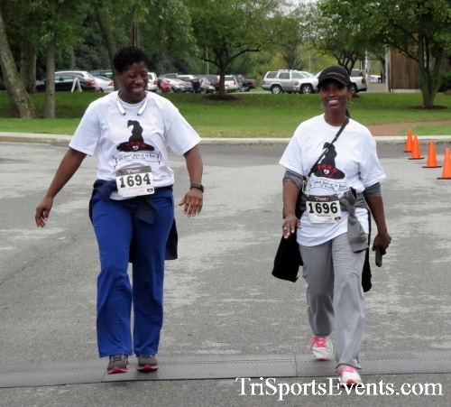 Queen of the Roses 5K Run/Walk<br><br><br><br><a href='http://www.trisportsevents.com/pics/16_Queen_of_Roses_5K_178.JPG' download='16_Queen_of_Roses_5K_178.JPG'>Click here to download.</a><Br><a href='http://www.facebook.com/sharer.php?u=http:%2F%2Fwww.trisportsevents.com%2Fpics%2F16_Queen_of_Roses_5K_178.JPG&t=Queen of the Roses 5K Run/Walk' target='_blank'><img src='images/fb_share.png' width='100'></a>