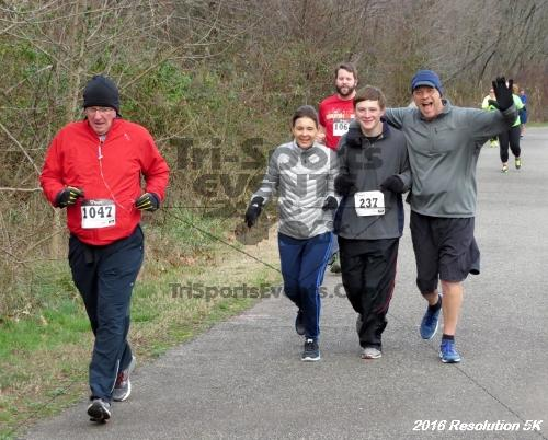 2016 Resolution 5K Run/Walk<br><br><br><br><a href='http://www.trisportsevents.com/pics/16_Resoluion_5K_081.JPG' download='16_Resoluion_5K_081.JPG'>Click here to download.</a><Br><a href='http://www.facebook.com/sharer.php?u=http:%2F%2Fwww.trisportsevents.com%2Fpics%2F16_Resoluion_5K_081.JPG&t=2016 Resolution 5K Run/Walk' target='_blank'><img src='images/fb_share.png' width='100'></a>