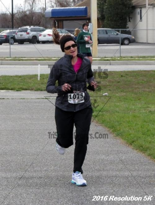 2016 Resolution 5K Run/Walk<br><br><br><br><a href='http://www.trisportsevents.com/pics/16_Resoluion_5K_148.JPG' download='16_Resoluion_5K_148.JPG'>Click here to download.</a><Br><a href='http://www.facebook.com/sharer.php?u=http:%2F%2Fwww.trisportsevents.com%2Fpics%2F16_Resoluion_5K_148.JPG&t=2016 Resolution 5K Run/Walk' target='_blank'><img src='images/fb_share.png' width='100'></a>