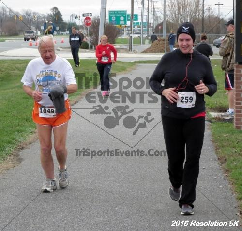 2016 Resolution 5K Run/Walk<br><br><br><br><a href='http://www.trisportsevents.com/pics/16_Resoluion_5K_208.JPG' download='16_Resoluion_5K_208.JPG'>Click here to download.</a><Br><a href='http://www.facebook.com/sharer.php?u=http:%2F%2Fwww.trisportsevents.com%2Fpics%2F16_Resoluion_5K_208.JPG&t=2016 Resolution 5K Run/Walk' target='_blank'><img src='images/fb_share.png' width='100'></a>