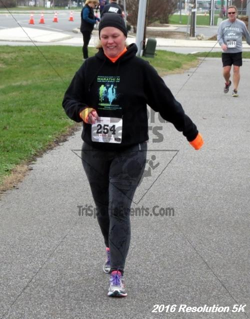 2016 Resolution 5K Run/Walk<br><br><br><br><a href='https://www.trisportsevents.com/pics/16_Resoluion_5K_218.JPG' download='16_Resoluion_5K_218.JPG'>Click here to download.</a><Br><a href='http://www.facebook.com/sharer.php?u=http:%2F%2Fwww.trisportsevents.com%2Fpics%2F16_Resoluion_5K_218.JPG&t=2016 Resolution 5K Run/Walk' target='_blank'><img src='images/fb_share.png' width='100'></a>