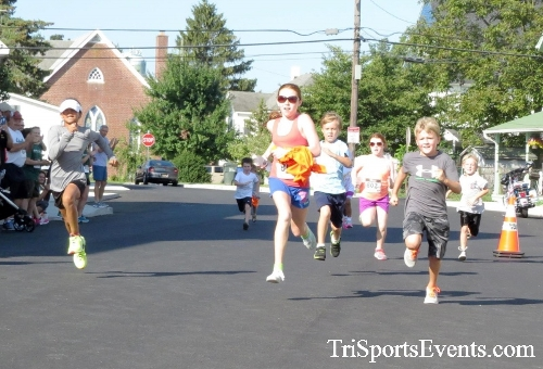 Running Hot - Clayton Fire Company 5K Run/Walk<br><br><br><br><a href='https://www.trisportsevents.com/pics/16_Running_Hot_5K_003.JPG' download='16_Running_Hot_5K_003.JPG'>Click here to download.</a><Br><a href='http://www.facebook.com/sharer.php?u=http:%2F%2Fwww.trisportsevents.com%2Fpics%2F16_Running_Hot_5K_003.JPG&t=Running Hot - Clayton Fire Company 5K Run/Walk' target='_blank'><img src='images/fb_share.png' width='100'></a>