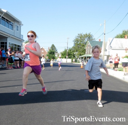 Running Hot - Clayton Fire Company 5K Run/Walk<br><br><br><br><a href='http://www.trisportsevents.com/pics/16_Running_Hot_5K_004.JPG' download='16_Running_Hot_5K_004.JPG'>Click here to download.</a><Br><a href='http://www.facebook.com/sharer.php?u=http:%2F%2Fwww.trisportsevents.com%2Fpics%2F16_Running_Hot_5K_004.JPG&t=Running Hot - Clayton Fire Company 5K Run/Walk' target='_blank'><img src='images/fb_share.png' width='100'></a>