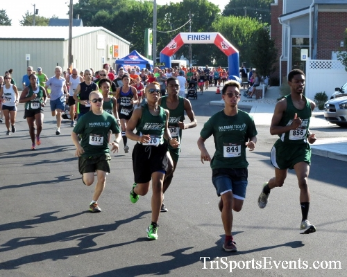 Running Hot - Clayton Fire Company 5K Run/Walk<br><br><br><br><a href='https://www.trisportsevents.com/pics/16_Running_Hot_5K_012.JPG' download='16_Running_Hot_5K_012.JPG'>Click here to download.</a><Br><a href='http://www.facebook.com/sharer.php?u=http:%2F%2Fwww.trisportsevents.com%2Fpics%2F16_Running_Hot_5K_012.JPG&t=Running Hot - Clayton Fire Company 5K Run/Walk' target='_blank'><img src='images/fb_share.png' width='100'></a>