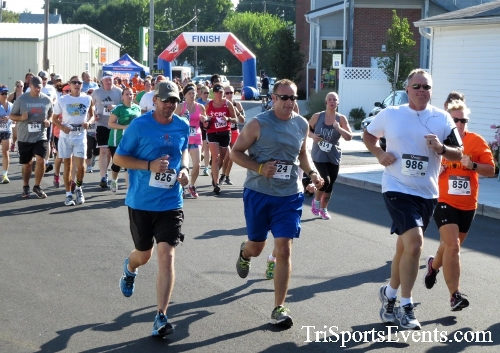 Running Hot - Clayton Fire Company 5K Run/Walk<br><br><br><br><a href='https://www.trisportsevents.com/pics/16_Running_Hot_5K_018.JPG' download='16_Running_Hot_5K_018.JPG'>Click here to download.</a><Br><a href='http://www.facebook.com/sharer.php?u=http:%2F%2Fwww.trisportsevents.com%2Fpics%2F16_Running_Hot_5K_018.JPG&t=Running Hot - Clayton Fire Company 5K Run/Walk' target='_blank'><img src='images/fb_share.png' width='100'></a>