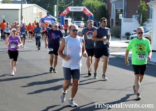 Running Hot - Clayton Fire Company 5K Run/Walk<br><br><br><br><a href='http://www.trisportsevents.com/pics/16_Running_Hot_5K_021.JPG' download='16_Running_Hot_5K_021.JPG'>Click here to download.</a><Br><a href='http://www.facebook.com/sharer.php?u=http:%2F%2Fwww.trisportsevents.com%2Fpics%2F16_Running_Hot_5K_021.JPG&t=Running Hot - Clayton Fire Company 5K Run/Walk' target='_blank'><img src='images/fb_share.png' width='100'></a>
