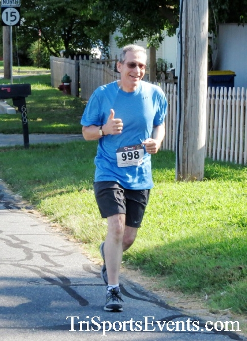 Running Hot - Clayton Fire Company 5K Run/Walk<br><br><br><br><a href='http://www.trisportsevents.com/pics/16_Running_Hot_5K_040.JPG' download='16_Running_Hot_5K_040.JPG'>Click here to download.</a><Br><a href='http://www.facebook.com/sharer.php?u=http:%2F%2Fwww.trisportsevents.com%2Fpics%2F16_Running_Hot_5K_040.JPG&t=Running Hot - Clayton Fire Company 5K Run/Walk' target='_blank'><img src='images/fb_share.png' width='100'></a>