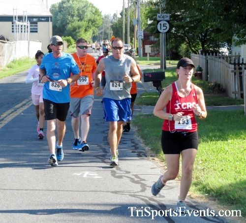 Running Hot - Clayton Fire Company 5K Run/Walk<br><br><br><br><a href='http://www.trisportsevents.com/pics/16_Running_Hot_5K_050.JPG' download='16_Running_Hot_5K_050.JPG'>Click here to download.</a><Br><a href='http://www.facebook.com/sharer.php?u=http:%2F%2Fwww.trisportsevents.com%2Fpics%2F16_Running_Hot_5K_050.JPG&t=Running Hot - Clayton Fire Company 5K Run/Walk' target='_blank'><img src='images/fb_share.png' width='100'></a>