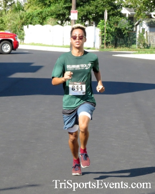 Running Hot - Clayton Fire Company 5K Run/Walk<br><br><br><br><a href='http://www.trisportsevents.com/pics/16_Running_Hot_5K_097.JPG' download='16_Running_Hot_5K_097.JPG'>Click here to download.</a><Br><a href='http://www.facebook.com/sharer.php?u=http:%2F%2Fwww.trisportsevents.com%2Fpics%2F16_Running_Hot_5K_097.JPG&t=Running Hot - Clayton Fire Company 5K Run/Walk' target='_blank'><img src='images/fb_share.png' width='100'></a>