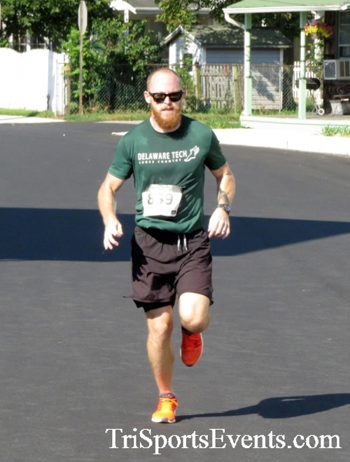 Running Hot - Clayton Fire Company 5K Run/Walk<br><br><br><br><a href='https://www.trisportsevents.com/pics/16_Running_Hot_5K_098.JPG' download='16_Running_Hot_5K_098.JPG'>Click here to download.</a><Br><a href='http://www.facebook.com/sharer.php?u=http:%2F%2Fwww.trisportsevents.com%2Fpics%2F16_Running_Hot_5K_098.JPG&t=Running Hot - Clayton Fire Company 5K Run/Walk' target='_blank'><img src='images/fb_share.png' width='100'></a>