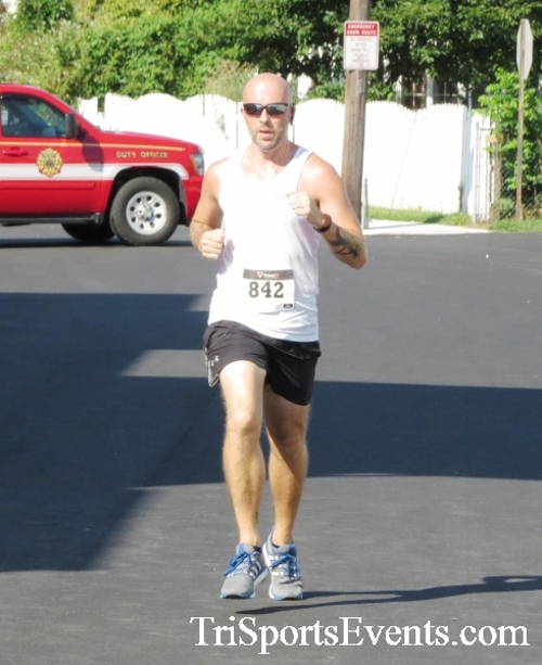 Running Hot - Clayton Fire Company 5K Run/Walk<br><br><br><br><a href='http://www.trisportsevents.com/pics/16_Running_Hot_5K_099.JPG' download='16_Running_Hot_5K_099.JPG'>Click here to download.</a><Br><a href='http://www.facebook.com/sharer.php?u=http:%2F%2Fwww.trisportsevents.com%2Fpics%2F16_Running_Hot_5K_099.JPG&t=Running Hot - Clayton Fire Company 5K Run/Walk' target='_blank'><img src='images/fb_share.png' width='100'></a>