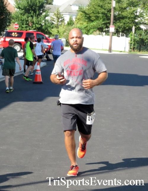 Running Hot - Clayton Fire Company 5K Run/Walk<br><br><br><br><a href='http://www.trisportsevents.com/pics/16_Running_Hot_5K_111.JPG' download='16_Running_Hot_5K_111.JPG'>Click here to download.</a><Br><a href='http://www.facebook.com/sharer.php?u=http:%2F%2Fwww.trisportsevents.com%2Fpics%2F16_Running_Hot_5K_111.JPG&t=Running Hot - Clayton Fire Company 5K Run/Walk' target='_blank'><img src='images/fb_share.png' width='100'></a>