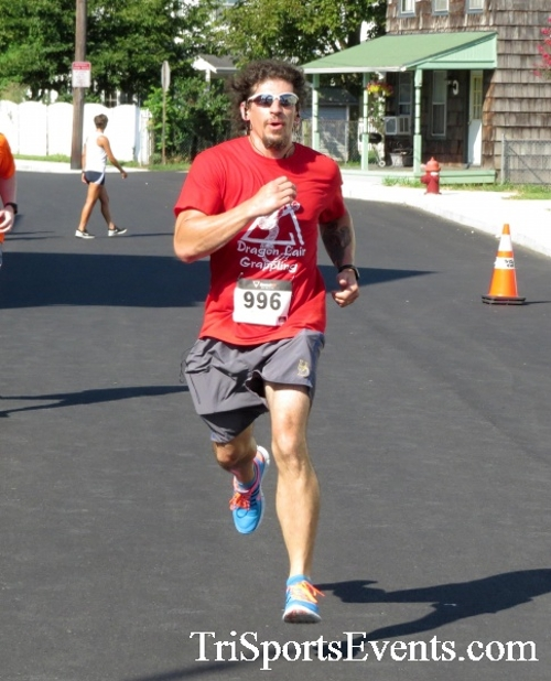 Running Hot - Clayton Fire Company 5K Run/Walk<br><br><br><br><a href='http://www.trisportsevents.com/pics/16_Running_Hot_5K_119.JPG' download='16_Running_Hot_5K_119.JPG'>Click here to download.</a><Br><a href='http://www.facebook.com/sharer.php?u=http:%2F%2Fwww.trisportsevents.com%2Fpics%2F16_Running_Hot_5K_119.JPG&t=Running Hot - Clayton Fire Company 5K Run/Walk' target='_blank'><img src='images/fb_share.png' width='100'></a>