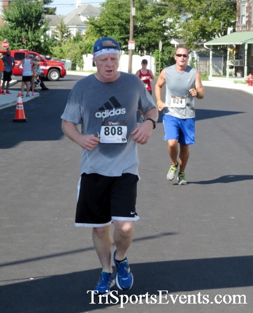 Running Hot - Clayton Fire Company 5K Run/Walk<br><br><br><br><a href='http://www.trisportsevents.com/pics/16_Running_Hot_5K_122.JPG' download='16_Running_Hot_5K_122.JPG'>Click here to download.</a><Br><a href='http://www.facebook.com/sharer.php?u=http:%2F%2Fwww.trisportsevents.com%2Fpics%2F16_Running_Hot_5K_122.JPG&t=Running Hot - Clayton Fire Company 5K Run/Walk' target='_blank'><img src='images/fb_share.png' width='100'></a>