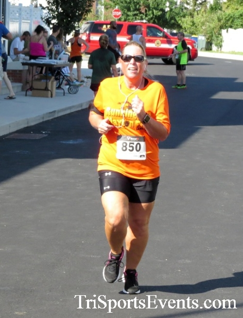 Running Hot - Clayton Fire Company 5K Run/Walk<br><br><br><br><a href='http://www.trisportsevents.com/pics/16_Running_Hot_5K_132.JPG' download='16_Running_Hot_5K_132.JPG'>Click here to download.</a><Br><a href='http://www.facebook.com/sharer.php?u=http:%2F%2Fwww.trisportsevents.com%2Fpics%2F16_Running_Hot_5K_132.JPG&t=Running Hot - Clayton Fire Company 5K Run/Walk' target='_blank'><img src='images/fb_share.png' width='100'></a>