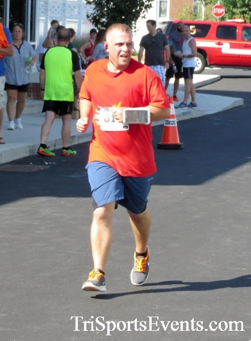 Running Hot - Clayton Fire Company 5K Run/Walk<br><br><br><br><a href='http://www.trisportsevents.com/pics/16_Running_Hot_5K_138.JPG' download='16_Running_Hot_5K_138.JPG'>Click here to download.</a><Br><a href='http://www.facebook.com/sharer.php?u=http:%2F%2Fwww.trisportsevents.com%2Fpics%2F16_Running_Hot_5K_138.JPG&t=Running Hot - Clayton Fire Company 5K Run/Walk' target='_blank'><img src='images/fb_share.png' width='100'></a>