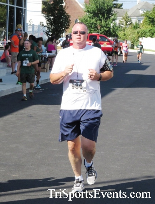 Running Hot - Clayton Fire Company 5K Run/Walk<br><br><br><br><a href='http://www.trisportsevents.com/pics/16_Running_Hot_5K_157.JPG' download='16_Running_Hot_5K_157.JPG'>Click here to download.</a><Br><a href='http://www.facebook.com/sharer.php?u=http:%2F%2Fwww.trisportsevents.com%2Fpics%2F16_Running_Hot_5K_157.JPG&t=Running Hot - Clayton Fire Company 5K Run/Walk' target='_blank'><img src='images/fb_share.png' width='100'></a>