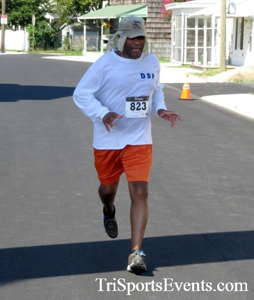 Running Hot - Clayton Fire Company 5K Run/Walk<br><br><br><br><a href='http://www.trisportsevents.com/pics/16_Running_Hot_5K_165.JPG' download='16_Running_Hot_5K_165.JPG'>Click here to download.</a><Br><a href='http://www.facebook.com/sharer.php?u=http:%2F%2Fwww.trisportsevents.com%2Fpics%2F16_Running_Hot_5K_165.JPG&t=Running Hot - Clayton Fire Company 5K Run/Walk' target='_blank'><img src='images/fb_share.png' width='100'></a>