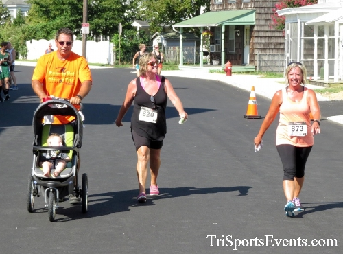 Running Hot - Clayton Fire Company 5K Run/Walk<br><br><br><br><a href='http://www.trisportsevents.com/pics/16_Running_Hot_5K_177.JPG' download='16_Running_Hot_5K_177.JPG'>Click here to download.</a><Br><a href='http://www.facebook.com/sharer.php?u=http:%2F%2Fwww.trisportsevents.com%2Fpics%2F16_Running_Hot_5K_177.JPG&t=Running Hot - Clayton Fire Company 5K Run/Walk' target='_blank'><img src='images/fb_share.png' width='100'></a>
