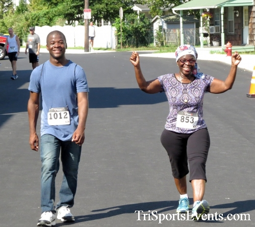 Running Hot - Clayton Fire Company 5K Run/Walk<br><br><br><br><a href='http://www.trisportsevents.com/pics/16_Running_Hot_5K_186.JPG' download='16_Running_Hot_5K_186.JPG'>Click here to download.</a><Br><a href='http://www.facebook.com/sharer.php?u=http:%2F%2Fwww.trisportsevents.com%2Fpics%2F16_Running_Hot_5K_186.JPG&t=Running Hot - Clayton Fire Company 5K Run/Walk' target='_blank'><img src='images/fb_share.png' width='100'></a>