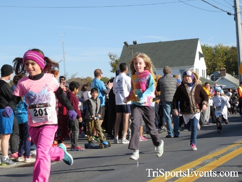 Ryan's High Five 5K Run/Walk<br><br><br><br><a href='https://www.trisportsevents.com/pics/16_Ryan's_High_Five_5K_016.JPG' download='16_Ryan's_High_Five_5K_016.JPG'>Click here to download.</a><Br><a href='http://www.facebook.com/sharer.php?u=http:%2F%2Fwww.trisportsevents.com%2Fpics%2F16_Ryan's_High_Five_5K_016.JPG&t=Ryan's High Five 5K Run/Walk' target='_blank'><img src='images/fb_share.png' width='100'></a>
