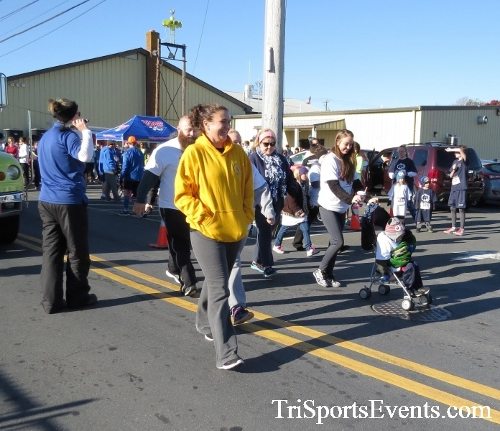 Ryan's High Five 5K Run/Walk<br><br><br><br><a href='https://www.trisportsevents.com/pics/16_Ryan's_High_Five_5K_026.JPG' download='16_Ryan's_High_Five_5K_026.JPG'>Click here to download.</a><Br><a href='http://www.facebook.com/sharer.php?u=http:%2F%2Fwww.trisportsevents.com%2Fpics%2F16_Ryan's_High_Five_5K_026.JPG&t=Ryan's High Five 5K Run/Walk' target='_blank'><img src='images/fb_share.png' width='100'></a>