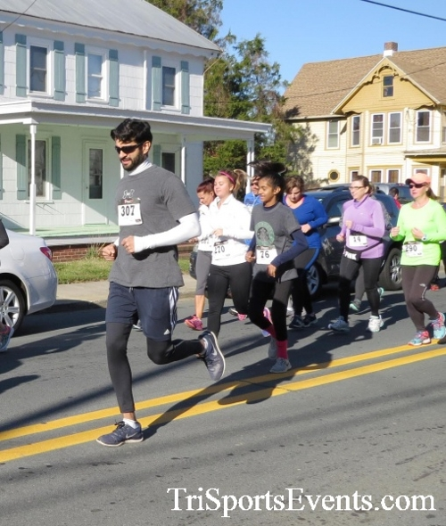 Ryan's High Five 5K Run/Walk<br><br><br><br><a href='https://www.trisportsevents.com/pics/16_Ryan's_High_Five_5K_037.JPG' download='16_Ryan's_High_Five_5K_037.JPG'>Click here to download.</a><Br><a href='http://www.facebook.com/sharer.php?u=http:%2F%2Fwww.trisportsevents.com%2Fpics%2F16_Ryan's_High_Five_5K_037.JPG&t=Ryan's High Five 5K Run/Walk' target='_blank'><img src='images/fb_share.png' width='100'></a>