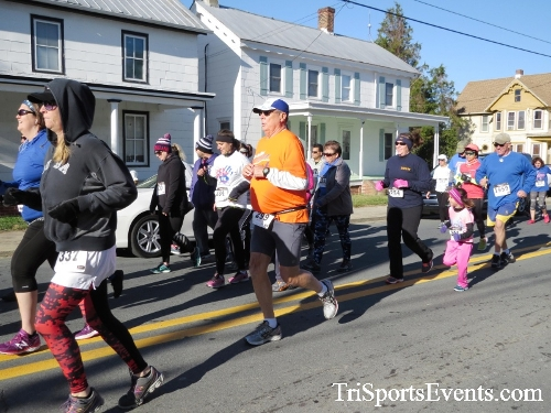 Ryan's High Five 5K Run/Walk<br><br><br><br><a href='https://www.trisportsevents.com/pics/16_Ryan's_High_Five_5K_041.JPG' download='16_Ryan's_High_Five_5K_041.JPG'>Click here to download.</a><Br><a href='http://www.facebook.com/sharer.php?u=http:%2F%2Fwww.trisportsevents.com%2Fpics%2F16_Ryan's_High_Five_5K_041.JPG&t=Ryan's High Five 5K Run/Walk' target='_blank'><img src='images/fb_share.png' width='100'></a>