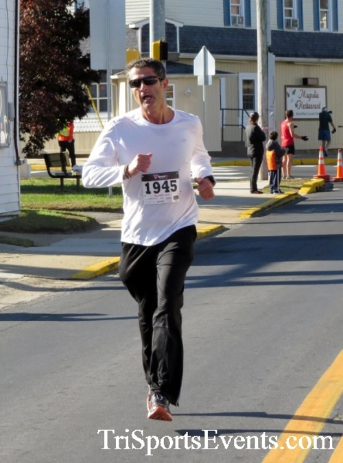 Ryan's High Five 5K Run/Walk<br><br><br><br><a href='https://www.trisportsevents.com/pics/16_Ryan's_High_Five_5K_069.JPG' download='16_Ryan's_High_Five_5K_069.JPG'>Click here to download.</a><Br><a href='http://www.facebook.com/sharer.php?u=http:%2F%2Fwww.trisportsevents.com%2Fpics%2F16_Ryan's_High_Five_5K_069.JPG&t=Ryan's High Five 5K Run/Walk' target='_blank'><img src='images/fb_share.png' width='100'></a>