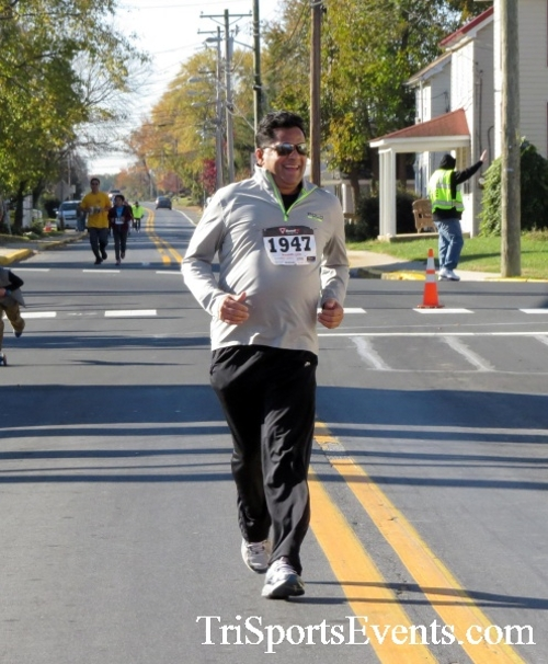 Ryan's High Five 5K Run/Walk<br><br><br><br><a href='https://www.trisportsevents.com/pics/16_Ryan's_High_Five_5K_139.JPG' download='16_Ryan's_High_Five_5K_139.JPG'>Click here to download.</a><Br><a href='http://www.facebook.com/sharer.php?u=http:%2F%2Fwww.trisportsevents.com%2Fpics%2F16_Ryan's_High_Five_5K_139.JPG&t=Ryan's High Five 5K Run/Walk' target='_blank'><img src='images/fb_share.png' width='100'></a>