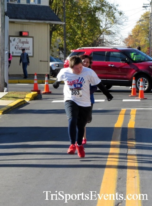 Ryan's High Five 5K Run/Walk<br><br><br><br><a href='https://www.trisportsevents.com/pics/16_Ryan's_High_Five_5K_159.JPG' download='16_Ryan's_High_Five_5K_159.JPG'>Click here to download.</a><Br><a href='http://www.facebook.com/sharer.php?u=http:%2F%2Fwww.trisportsevents.com%2Fpics%2F16_Ryan's_High_Five_5K_159.JPG&t=Ryan's High Five 5K Run/Walk' target='_blank'><img src='images/fb_share.png' width='100'></a>