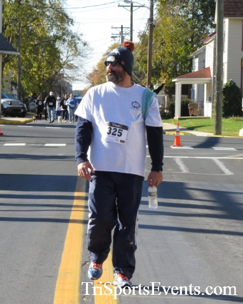 Ryan's High Five 5K Run/Walk<br><br><br><br><a href='https://www.trisportsevents.com/pics/16_Ryan's_High_Five_5K_167.JPG' download='16_Ryan's_High_Five_5K_167.JPG'>Click here to download.</a><Br><a href='http://www.facebook.com/sharer.php?u=http:%2F%2Fwww.trisportsevents.com%2Fpics%2F16_Ryan's_High_Five_5K_167.JPG&t=Ryan's High Five 5K Run/Walk' target='_blank'><img src='images/fb_share.png' width='100'></a>