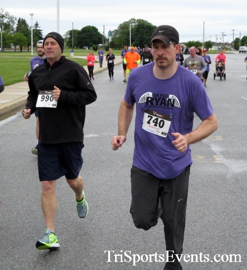 Rayn's Race 5K Run/Walk<br><br><br><br><a href='http://www.trisportsevents.com/pics/16_Ryan's_Race_5K_056.JPG' download='16_Ryan's_Race_5K_056.JPG'>Click here to download.</a><Br><a href='http://www.facebook.com/sharer.php?u=http:%2F%2Fwww.trisportsevents.com%2Fpics%2F16_Ryan's_Race_5K_056.JPG&t=Rayn's Race 5K Run/Walk' target='_blank'><img src='images/fb_share.png' width='100'></a>